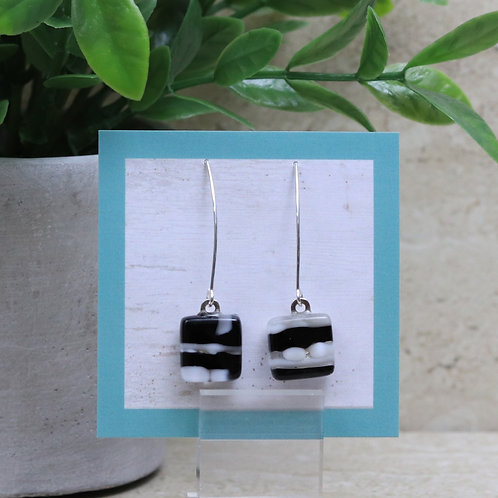 Black and White Pebble Collection