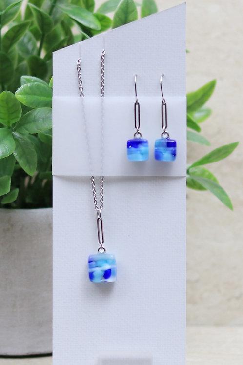 Aqua Blue, Blue and White Pebble Collection