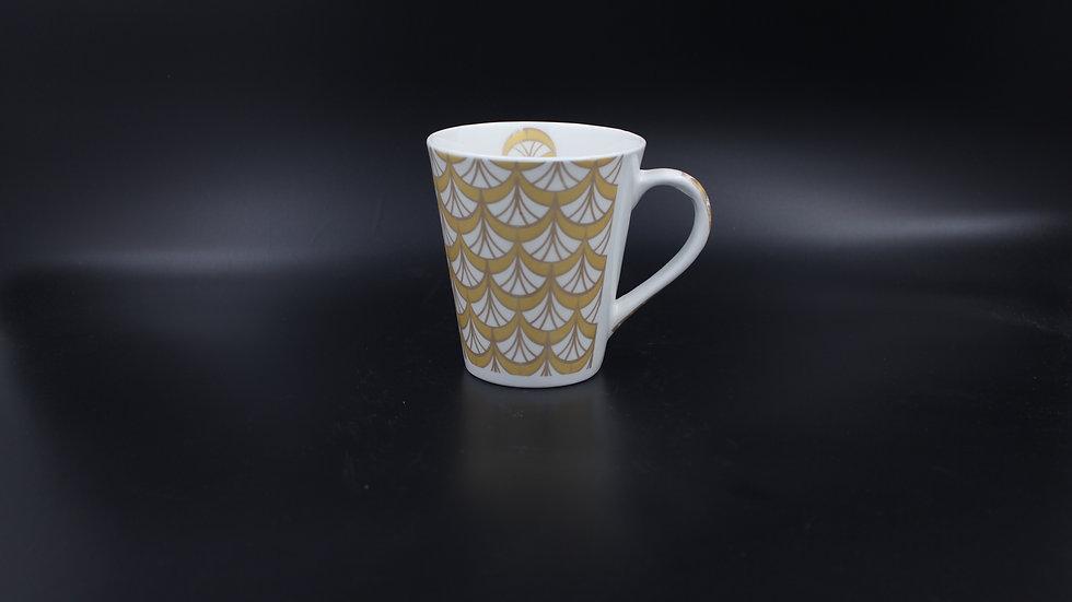 White Mug (Gold Scallop)