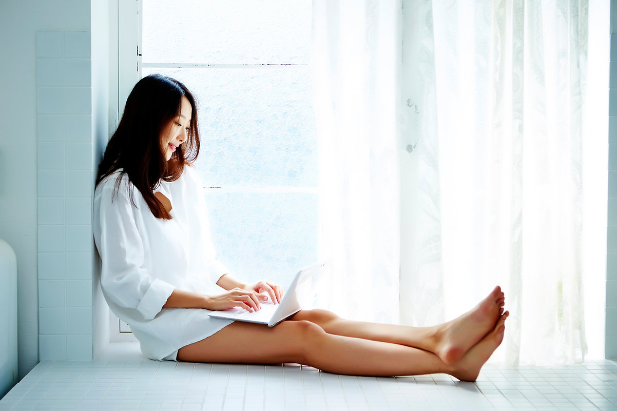 korean woman laptop.jpg