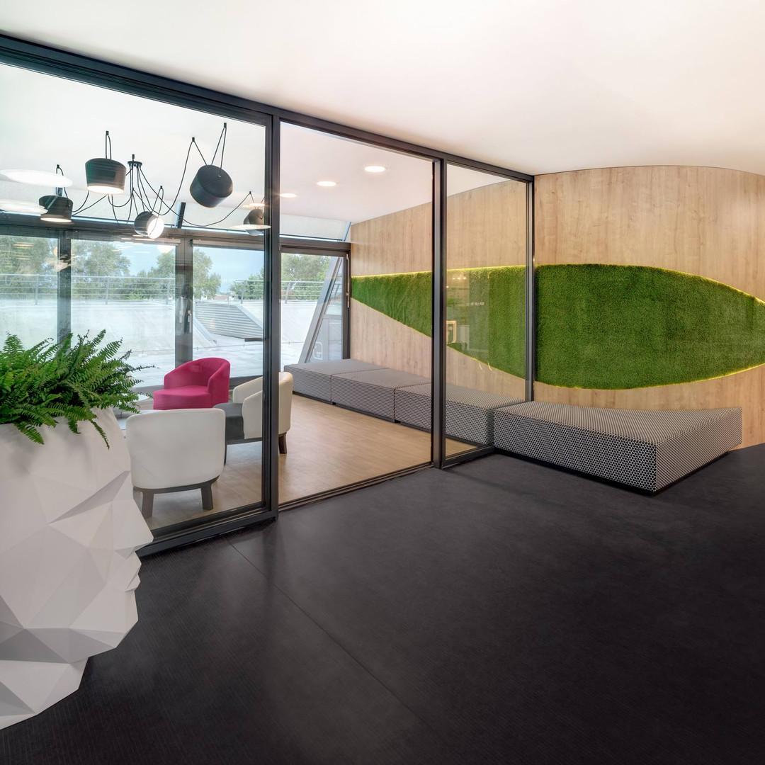 meeting room / terrace exit