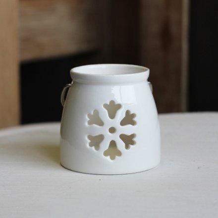 Winter Winderland Snowflake Tealight Holder in White