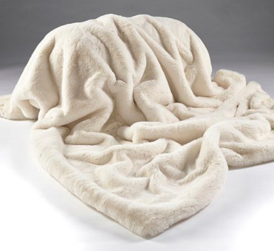 Cream Faux Fur Throw 150cm X 200cm