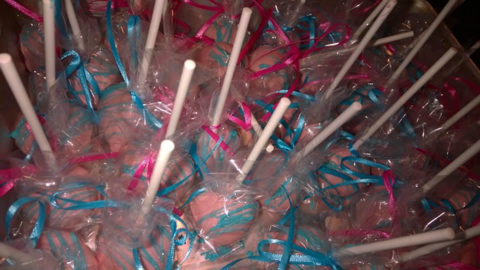 pink blue cake pops