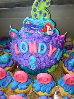 Little mermaid cupcake cake