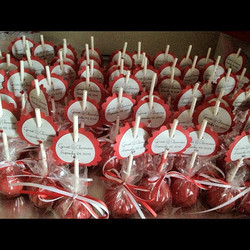 Instagram - Personalized cake pops for a wedding