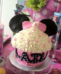 minnie mouse jumbo cupcake cake