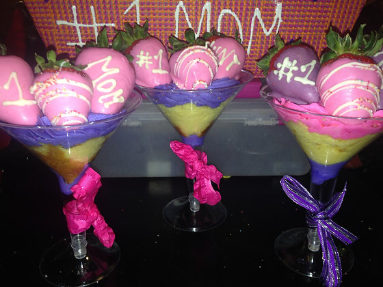 Mothers day Martini Cakes with strawberries