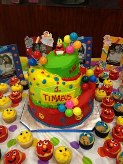 sesame street topsy turvey cake