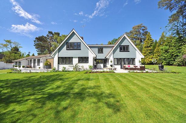 Haus mit Grundstück zu verkaufen.jpg