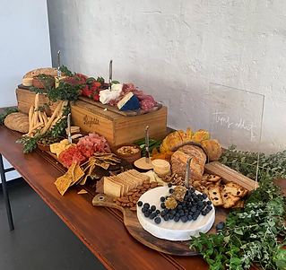 Grazing board for 20 people