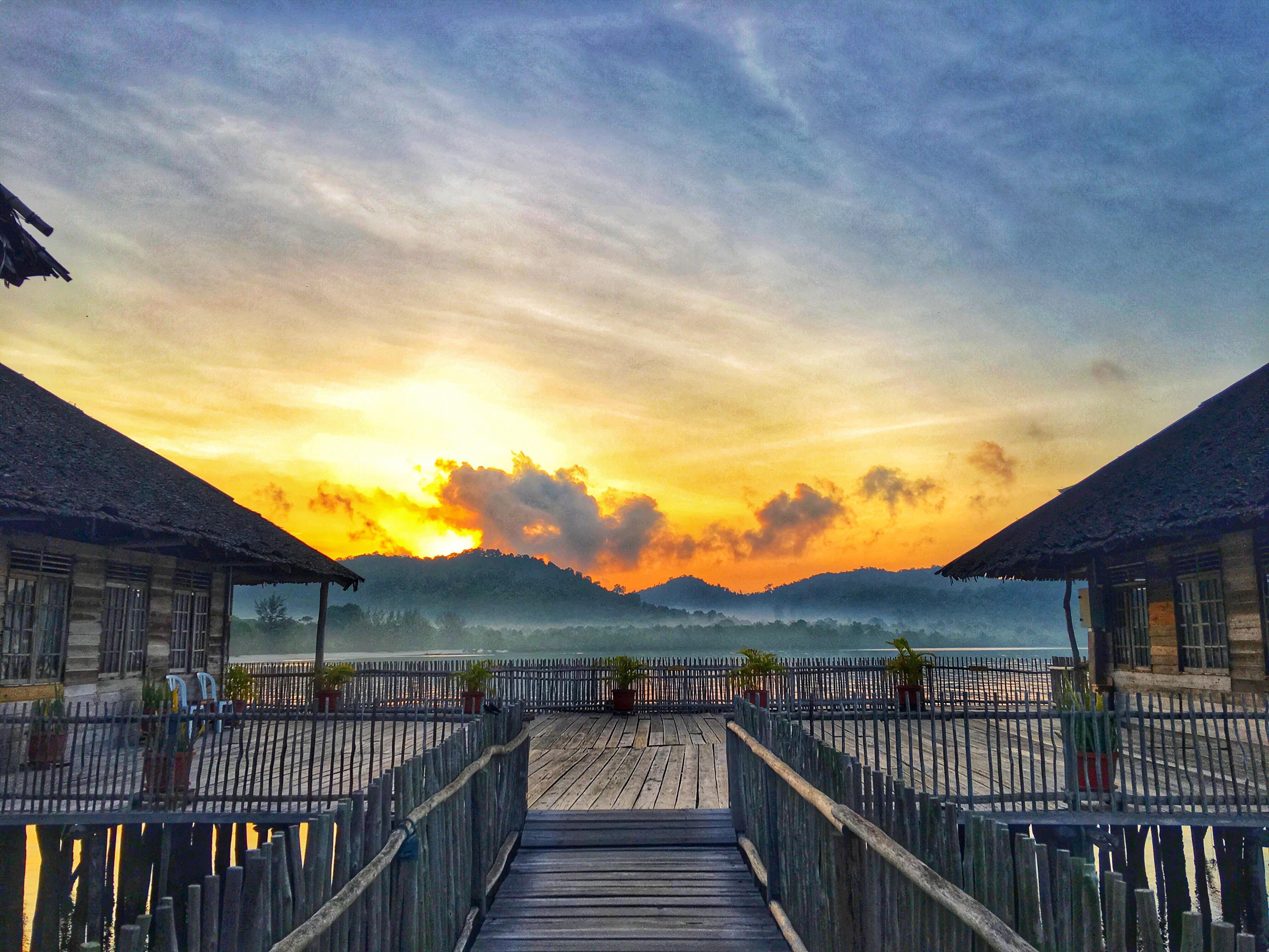 Telunas Beach Sunrise