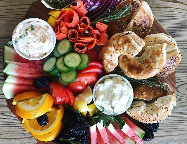 On Sundays we brunch 🥂this platter has