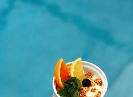 Brunch: Mango Lassi Smoothie Bowl & Bubbles