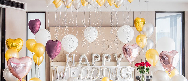 Happy wedding婚房上門佈置