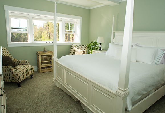 VT Romantic King Room | Stowe Meadows