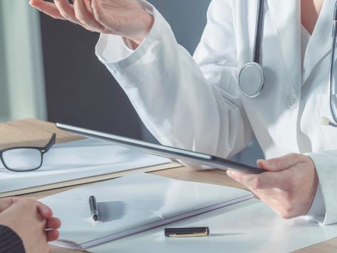 Coach en santé, naturopathe, médecin… Qui choisir pour quoi?