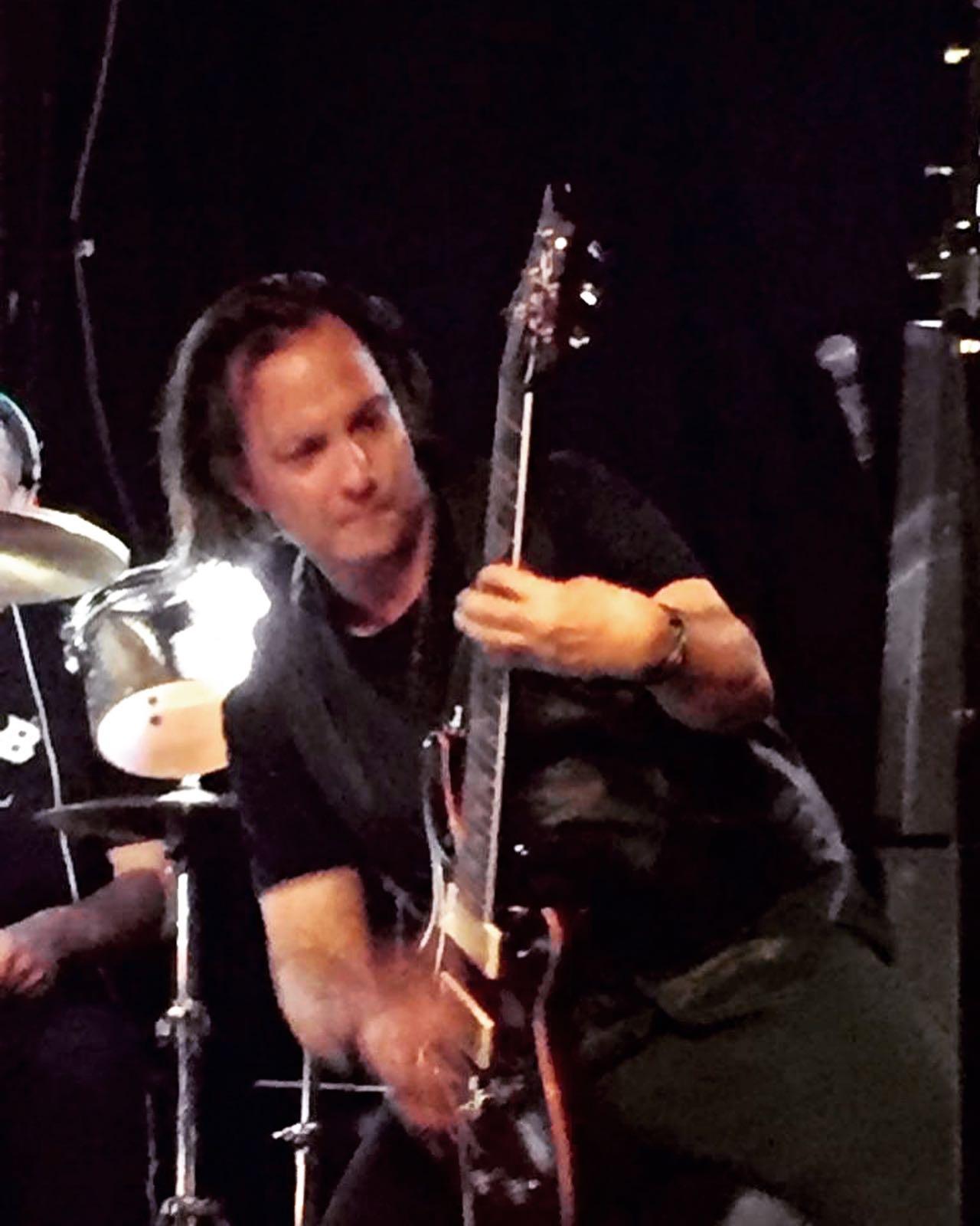Guitar Solo! at Hermans Hideaway