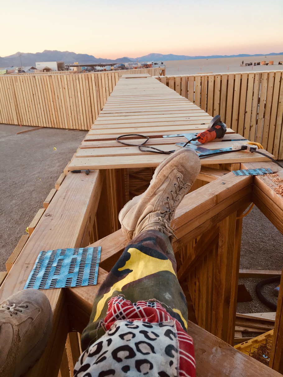 BOLTING COLUMNS TO BEAM