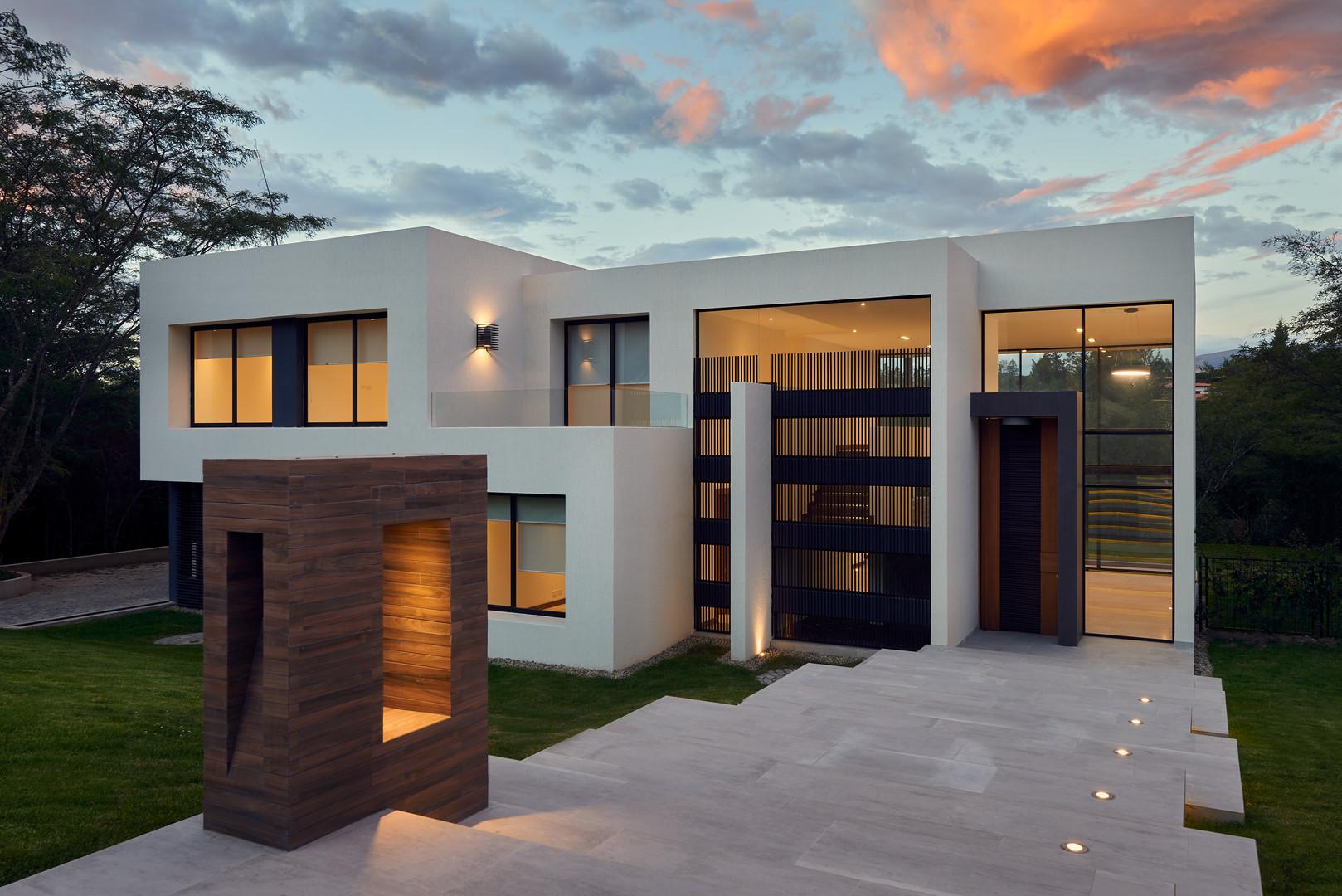 Big modern beautiful house.jpg