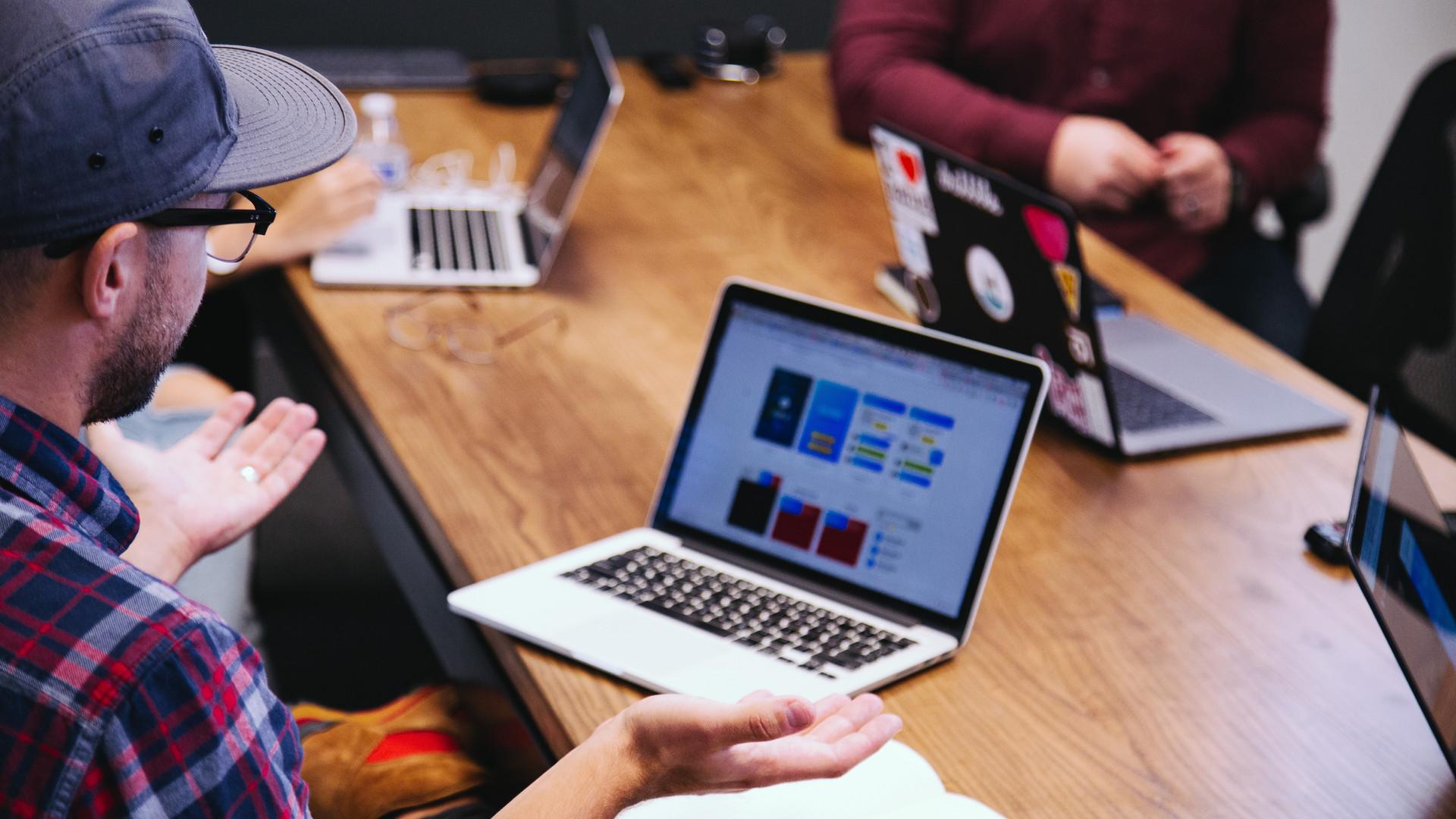 Radical Company | Team meeting
