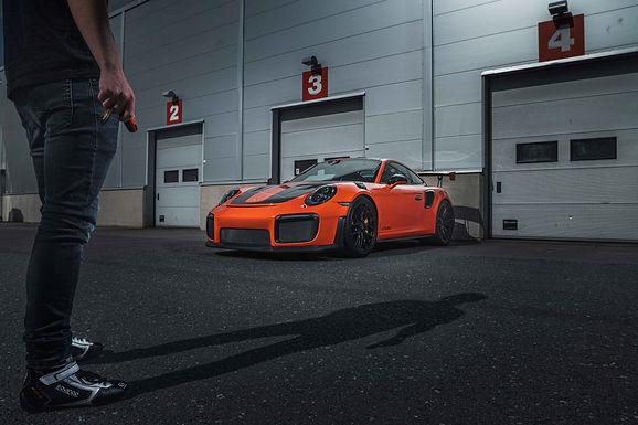 Porsche GT2 RS Weissach