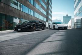 Lamborghini Huracan & Ferrari 458 Italia av Simon Hamelius