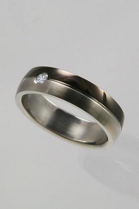 """Benat"" Titanium Band & Crystal Ring Size 9"