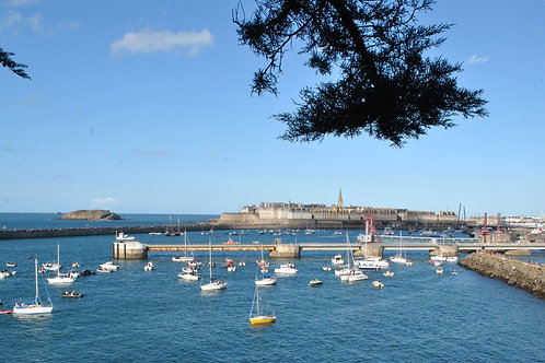 Saint Malo - A seaside city