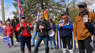 Bloomington Patriots March to Mayor Tim Busse's Home