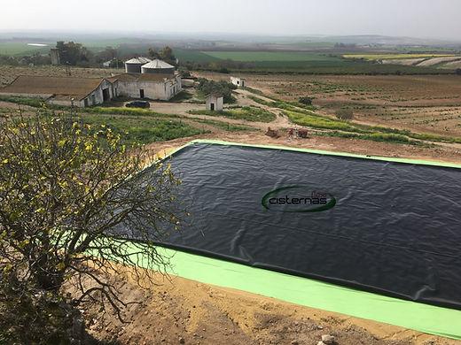 Cisterna flexible para el almacenamiento de agua