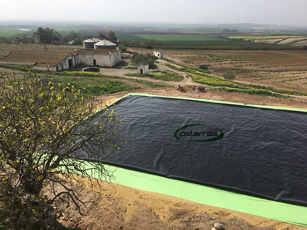 Flexible Pillow tanks , flexicisterna, for water, slurry, brine storage
