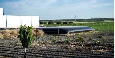 Flexicisternas, cisterna flexible, depósito flexible para el almacenamiento de agua, almacenamiento de agua para riego, almacenamiento de líquidos