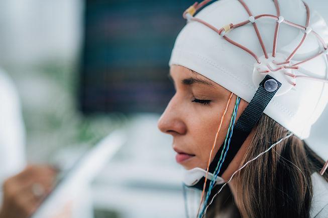 brainwave-eeg-or-electroencephalograph-e