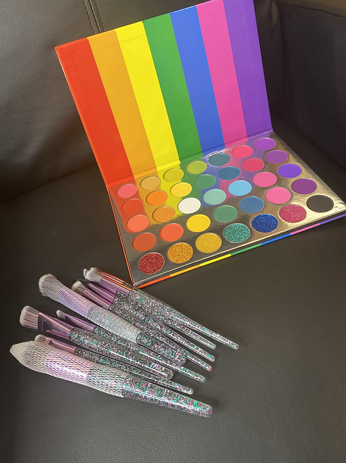 Rainbow Pallete and Brush Set