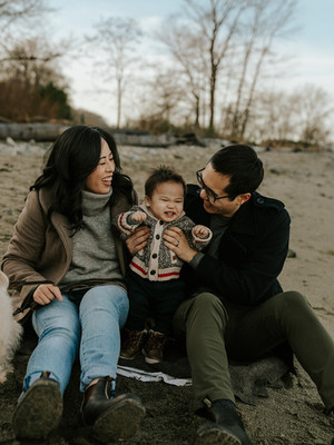 Love Story | Winter Family Session at Spanish Banks