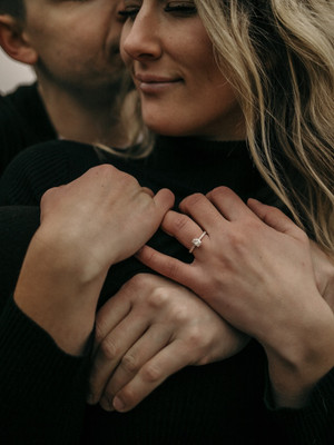 Love Story | Moody PNW Engagement