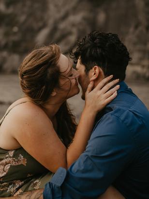 Love Story | Sunset beach engagement