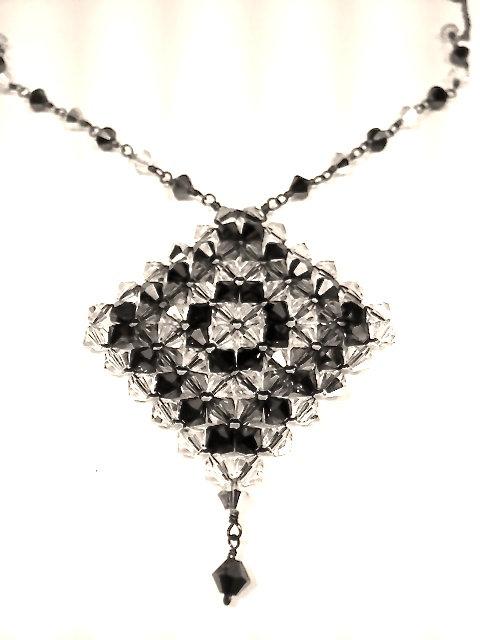 Jet Rhombus Necklace