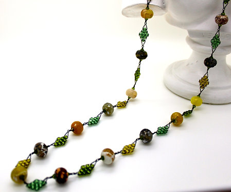Agate and Crystal Diamond Shapes Necklace