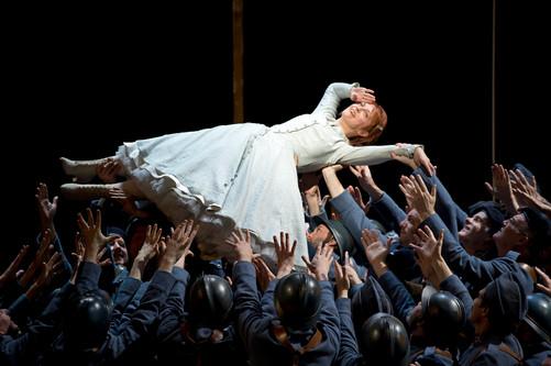 La_Fille_du_Régiment_at_the_Royal_Opera_House_1