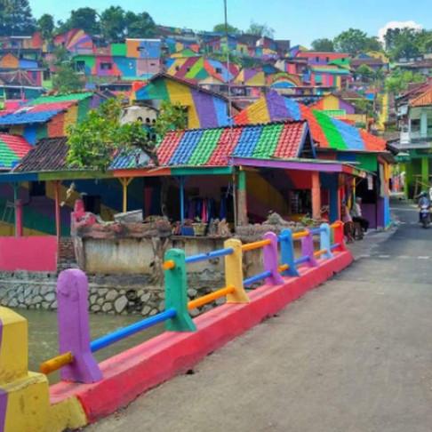 Indonesian Slum Transforms Into Rainbow Village