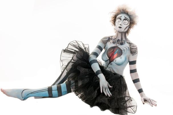 CORPSE BRIDE Tim Burton Body Painting.jp
