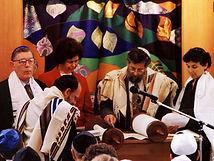 Dartmouth College Roth Centerfor Jewish Life student made parochet, Rabbi Daniel Siegel, Hannah Tiferet Siegelark curtain
