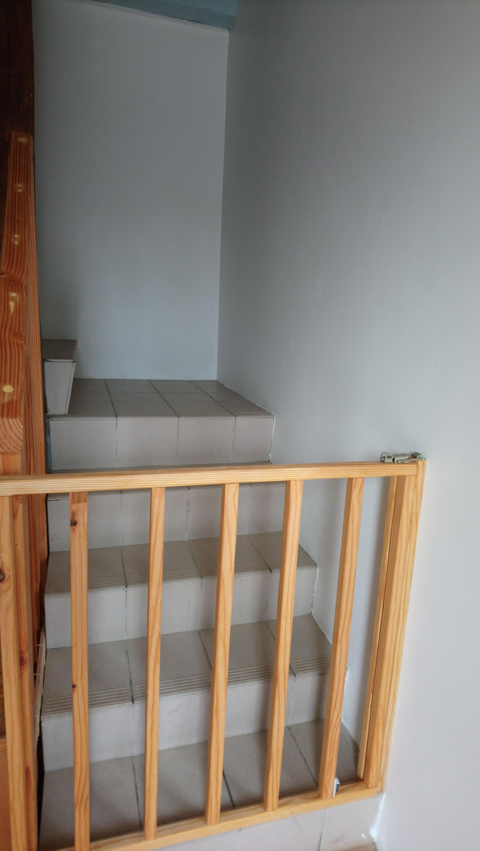 Barrière de sécurité escaliers enfant