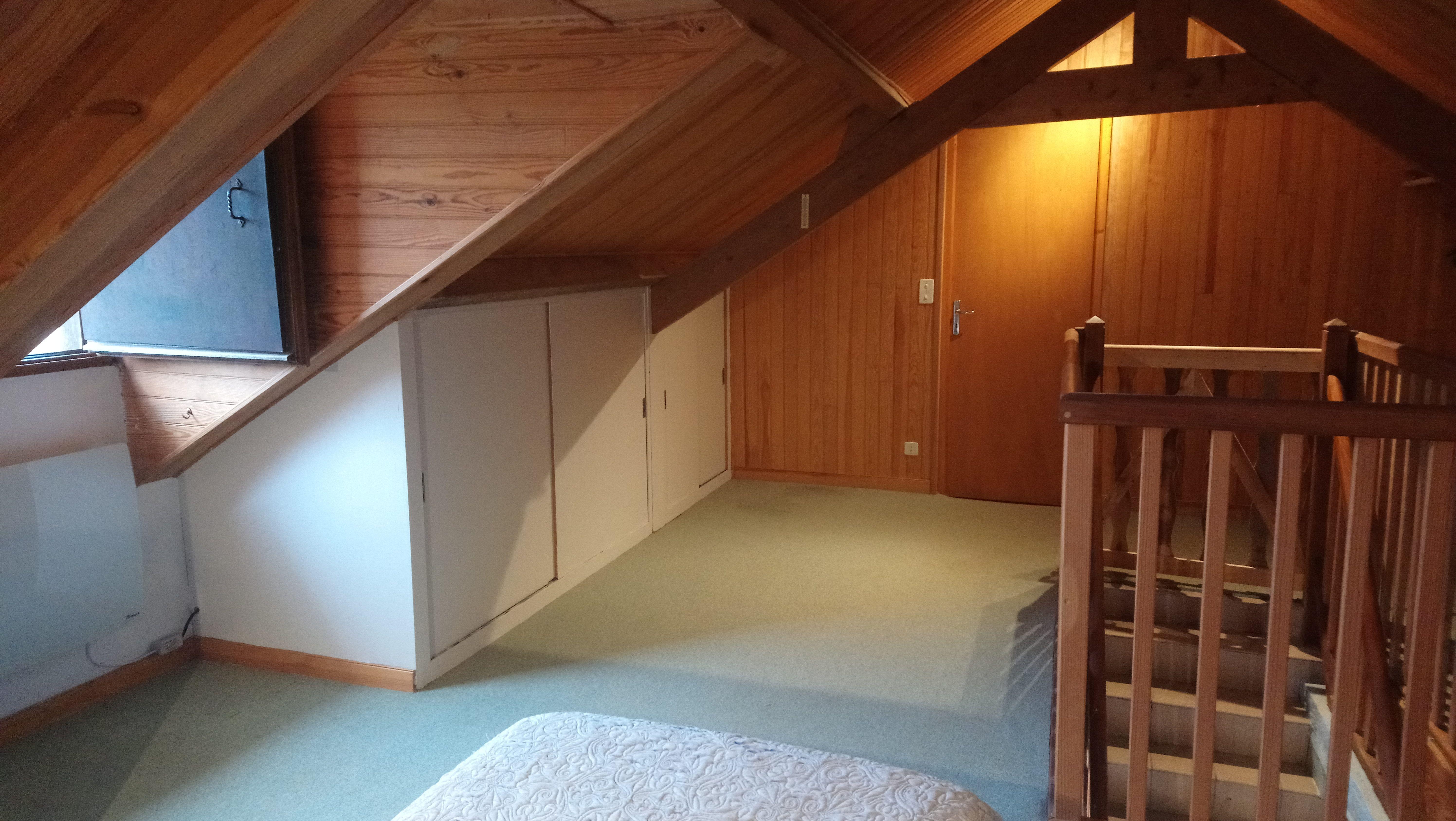 Chambre_n°1-placard_rangement-vue_sur_le