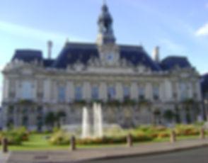 Hôtel_de_Ville_de_Tours.jpg