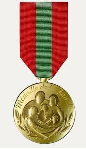 Participation de Françoise Caron à la remise de la médaille des familles