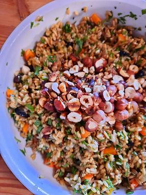 Salade colorée de riz des prairies