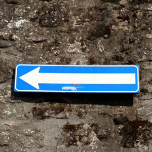 Italian road sign one way